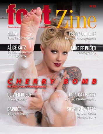 foot-zine_cover13w800