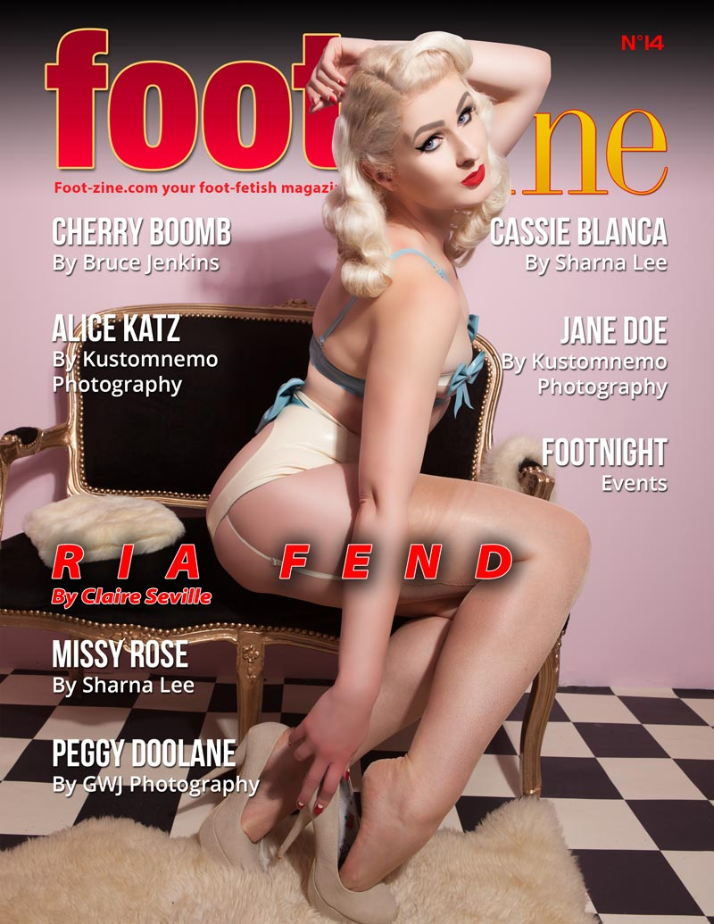 Foot-Zine 14 cover Ria Fend by Claire Seville