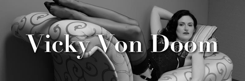 Nylon-Zine 50 - Vicky Von Doom by Mono Foto